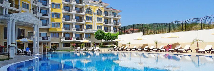 Rekreáció és szabadidő (spa-k, úszómedencék, golf pályák, tavak, szabadidőközpontok és parkok)